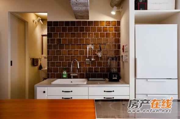日式风格白色厨房橱柜装修实景图