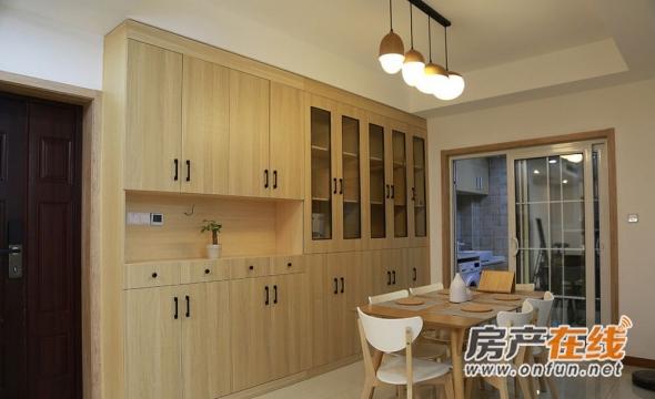 简洁两居室日式风格原木色餐厅设计效果图